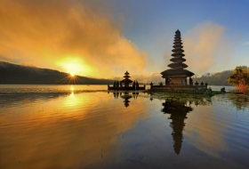 Bali Honeymooners offer - Free Candlelight dinner transfers